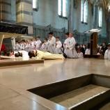 Vendredi Saint : Célébration de la Croix