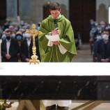 Installation du père Luc Garnier par Mgr Emmanuel Gobilliard : les photos